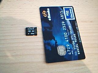 srovnání paměťové karty a kreditky